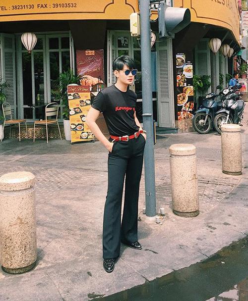Đào Bá Lộc mặc đồ ngày càng gắt, độ nữ tính con gái cũng chào thua - 6
