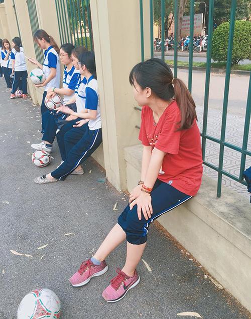 Tzuyu mặc quần giống hệt... đồ thể dục của Đại học Quốc gia vẫn xinh ngất - 5