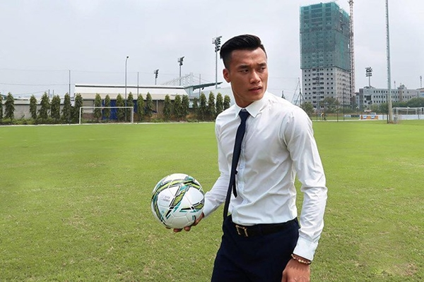 4 chàng thủ môn Việt điển trai, bắt bóng cừ hút fan nữ ầm ầm - 1