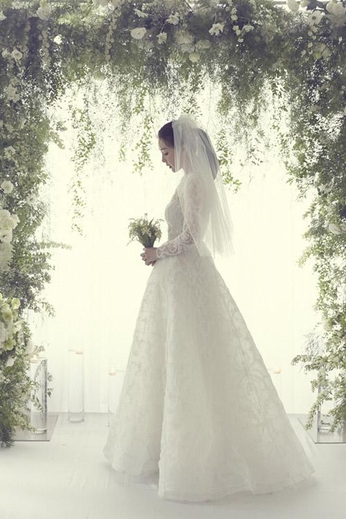 Lộ ảnh cưới hiếm hoi của mỹ nhân Choi Ji Woo - 1