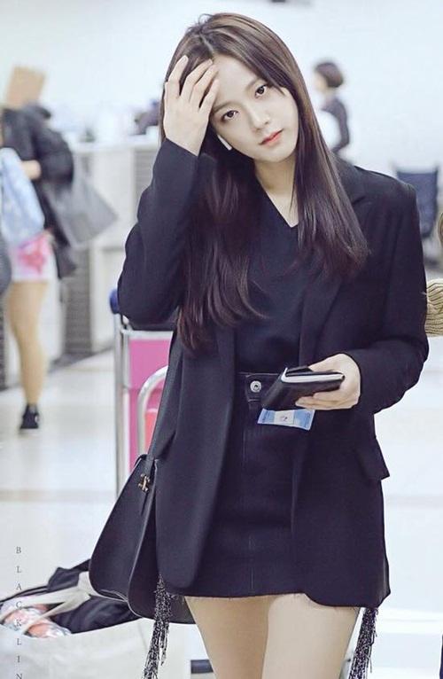 Black Pink biến đổi style, Hwang Seung Eon mặc đồ tập gym ra sân bay - 7