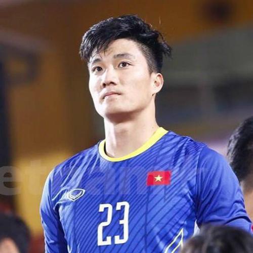 U23 Việt Nam còn có một thủ môn đẹp trai, cao ráo hơn cả Bùi Tiến Dũng - 2