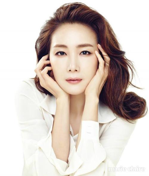 Choi Ji Woo với vẻ đẹp vượt thời gian.