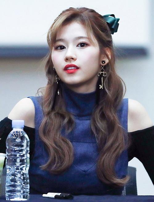 10 màu tóc ấn tượng nhất của Sana (Twice) từ khi debut - 8