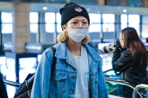 Twice lộ vẻ mệt mỏi, Red Velvet thanh lịch ra sân bay (2) - 3