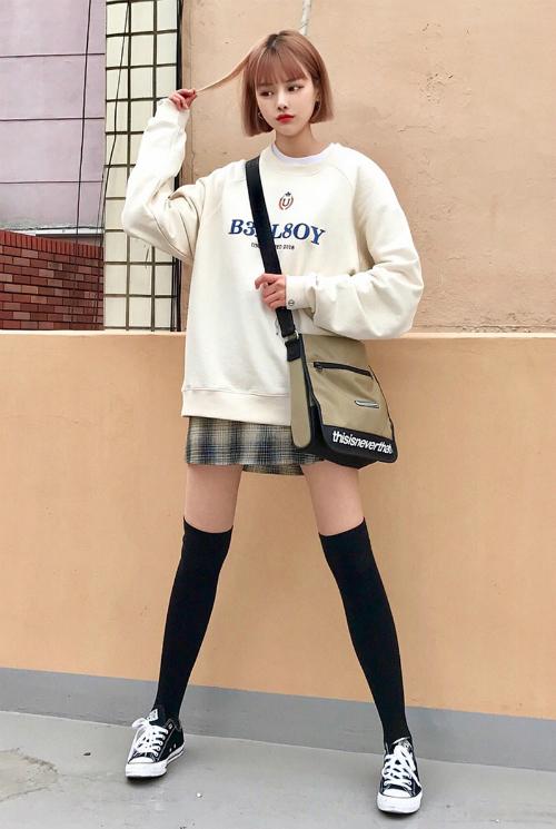 3 kiểu chân váy xinh yêu nữ sinh Hàn chuộng nhất khi đi học - 3