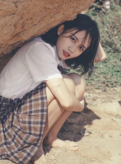 Mốt trang điểm năm 90 giúp các hot girl xứ Trung tôn vẻ đẹp mong manh - 7