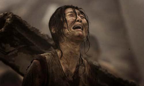 Cảnh lựa chọn đầy ám ảnh và đẫm nước mắt trong Đường sơn đại địa chấn - 1