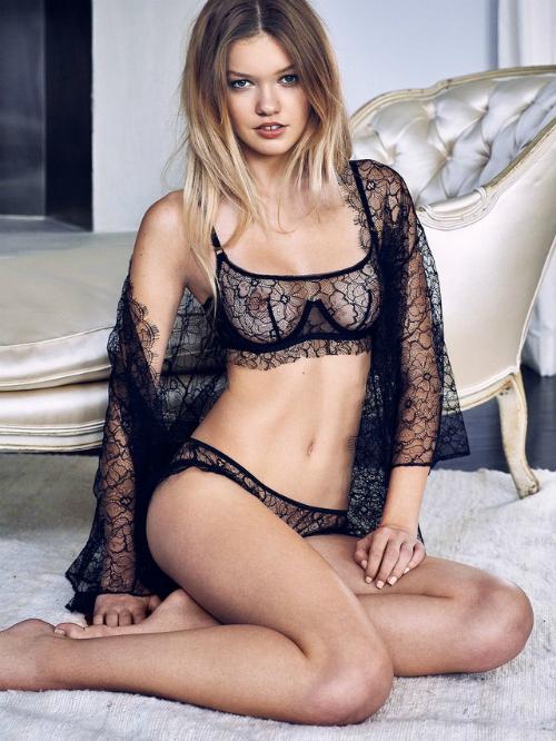 Người mẫu Maggie Laine.
