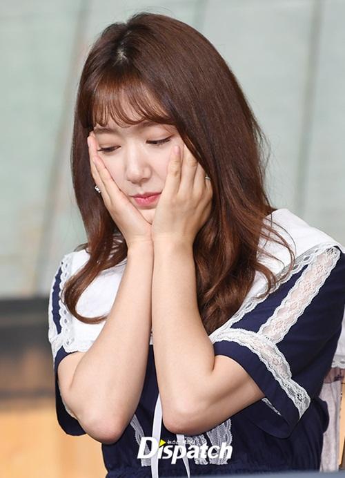 Park Shin Hye có loạt biểu cảm dễ thương.