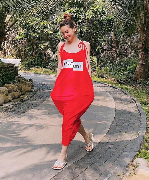 Váy bao tải của Zara sao Việt cao kều vẫn khó chinh phục