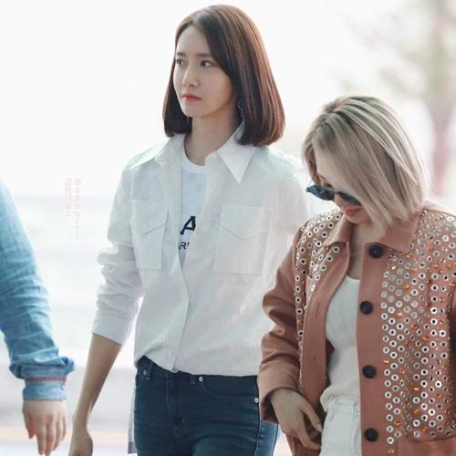 Yoon Ah hóa thân thành soái ca khi mặc sơ mi trắng.