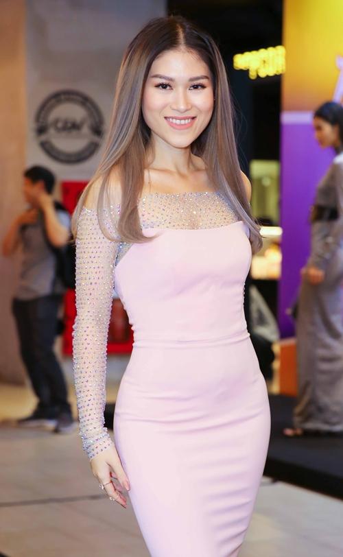 Thúy Vi gợi cảm đụng độ bạn gái Phan Thành - 5