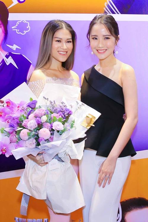 Thúy Vi gợi cảm đụng độ bạn gái Phan Thành - 3