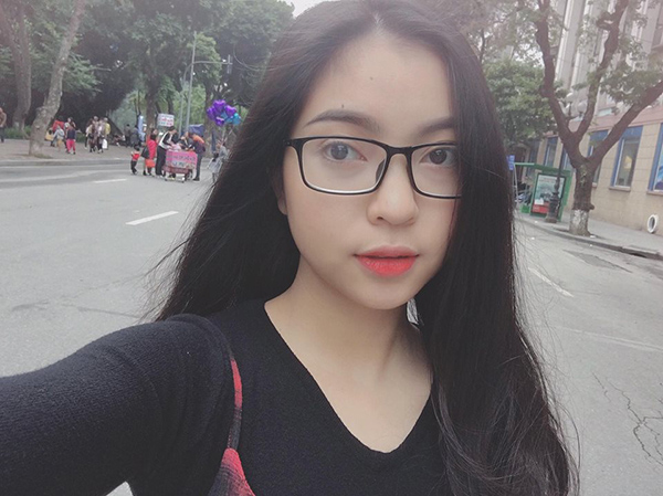 Bạn gái ngoan hiền của Quang Hải gây bất ngờ khi trang điểm kiểu Tây - 2