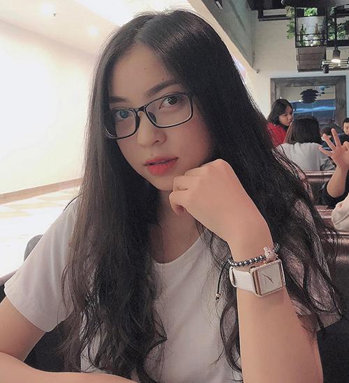 Bạn gái ngoan hiền của Quang Hải gây bất ngờ khi trang điểm kiểu Tây - 3