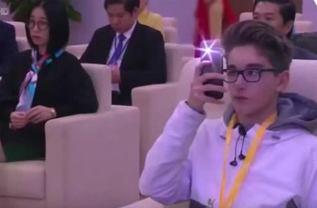 Danh tính trai đẹp lai Việt - Bỉ cứu view cho kênh truyền hình - 3