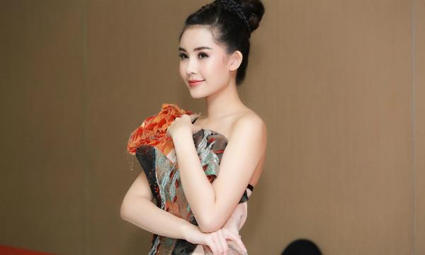 Những mỹ nhân Việt khác lạ vì đôi môi tều - 2