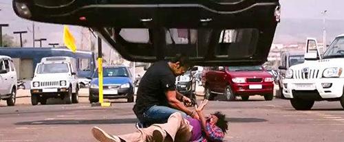 Cạn lời trước 5 cảnh truy đuổi hài hước nhất của phim Ấn Độ - 3