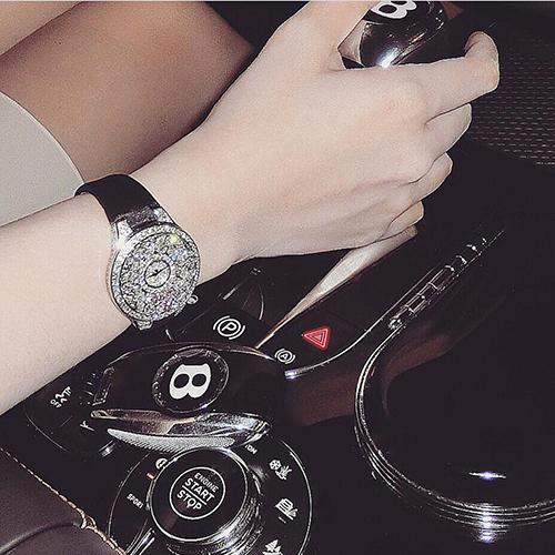 Đồng hồ trị giá 3 tỷ đồng được Huyền Baby đăng trên trang cá nhân