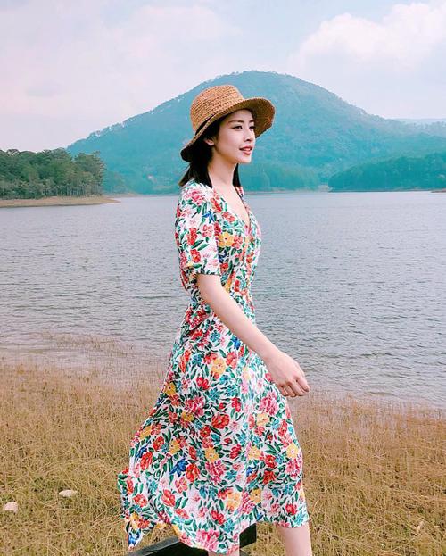 Muốn xinh như Chi Pu, đừng bỏ qua mốt váy hot nhất hè này - 1