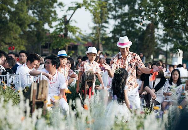 Chân dài 7 tuổi hot nhất Việt Nam khoe vẻ sang chảnh như hoa hậu - 4