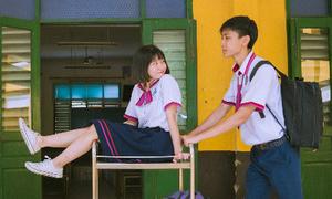 Bộ ảnh 'Gửi thời đẹp đẽ' của cặp đôi chị yêu em trường Trưng Vương