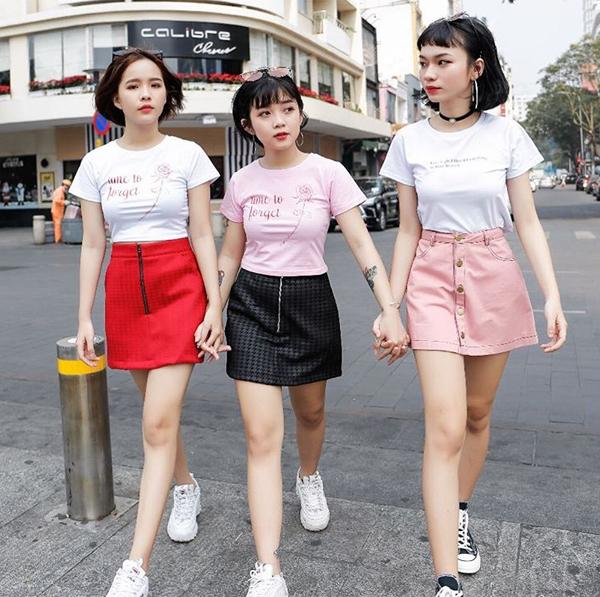 Bộ ba hot girl tóc ngắn Sài thành không cao vẫn mặc đẹp long lanh - 1