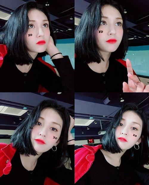 Trước đó, Somi thường để tóc mái thưa cute. Lần này, cô nàng khoe trán, để lộ khuôn mặt với nét đẹp lai.