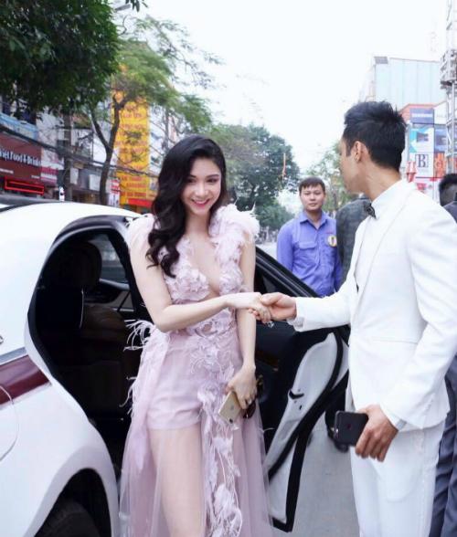 Thanh Bi nhận được nhiều lời mời quảng cáo, tham gia sự kiện.