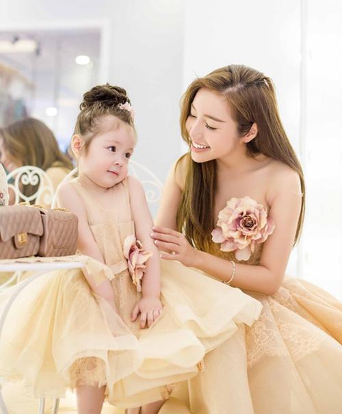 Những công chúa nhà sao Việt tương lai nên đi thi hoa hậu - page 2