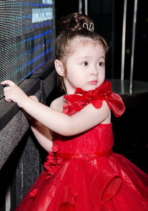 Những công chúa nhà sao Việt tương lai nên đi thi hoa hậu - page 2 - 4
