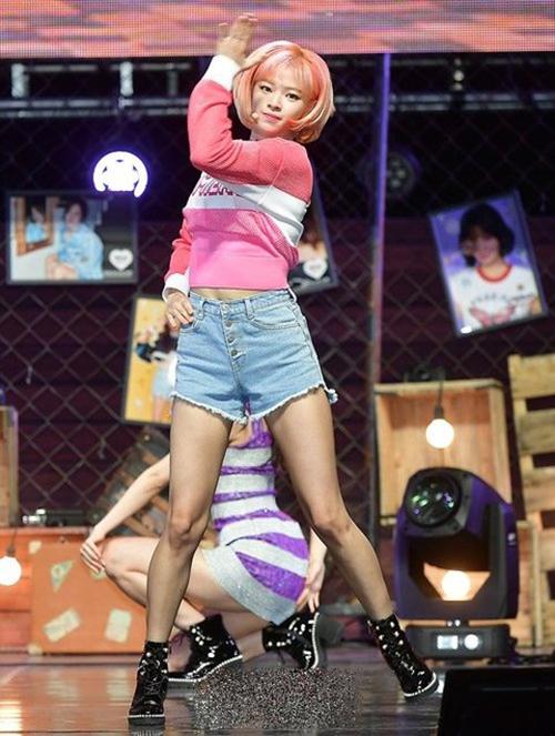 Twice bị chê mặc toàn hàng hiệu vẫn sến trong đợt comeback - 7