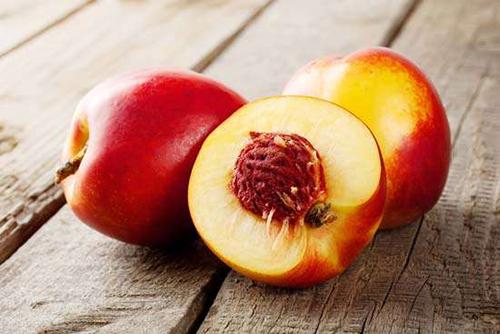 Mỹ công bố những loại rau quả có lượng thuốc trừ sâu cao nhất - 2