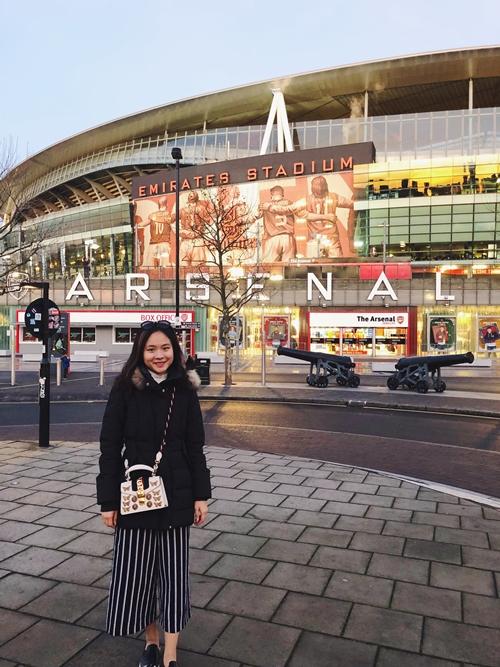 Nữ du học sinh Việt dành thanh xuân check-in tại 14 SVĐ nổi tiếng thế giới - 8