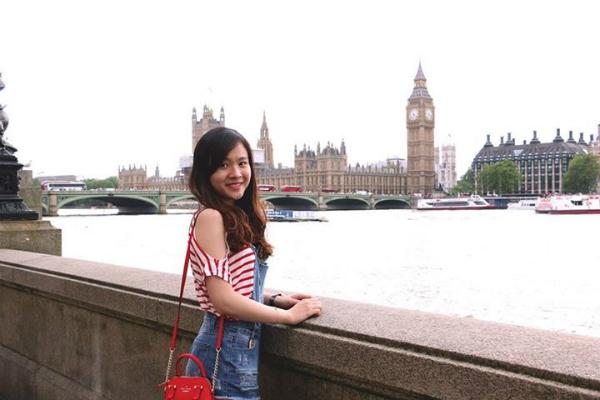 Nữ du học sinh Việt dành thanh xuân check-in tại 14 SVĐ nổi tiếng thế giới