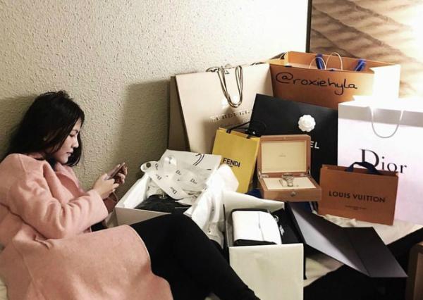 Bạn gái Phan Thành có cuộc sống sang chảnh chẳng thua kém gì 3 cô nàng hội rich kid Việt Nam - 20