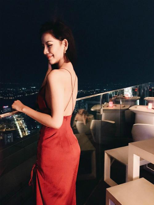 Bạn gái Phan Thành có cuộc sống sang chảnh chẳng thua kém gì 3 cô nàng hội rich kid Việt Nam - 19