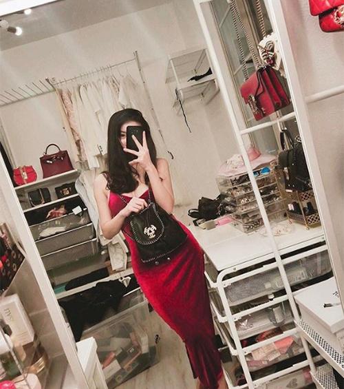 Phòng chứa quần áo đẹp như tiệm của các tiểu thư hội con nhà giàu Việt - 7