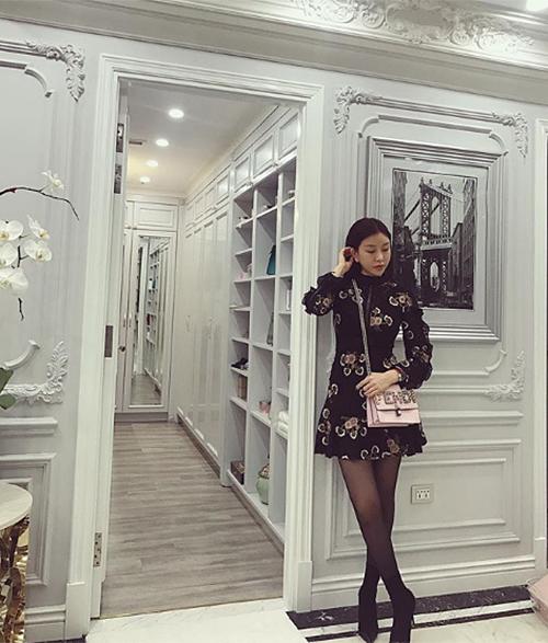 Phòng chứa quần áo đẹp như tiệm của các tiểu thư hội con nhà giàu Việt