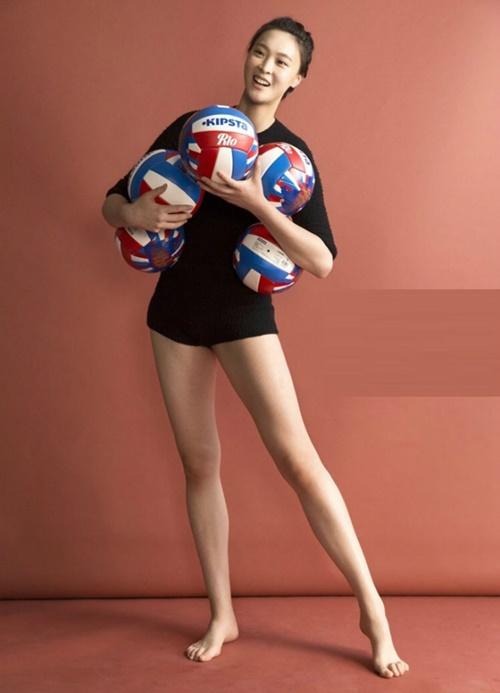 Hoa hậu bóng chuyền quốc dân Trung Quốc sở hữu chiều cao ấn tượng 1,92 m.
