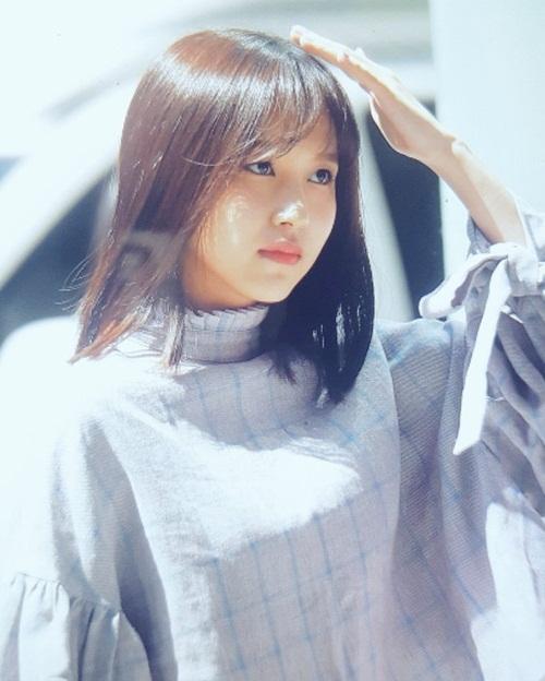 Chỉ cần một lần thay đổi kiểu tóc mái, Mina đã lọt top tìm kiếm ở Hàn Quốc. Cô nàng đứng thứ 4 trong bảng xếp hạng thương hiệu trong tháng.