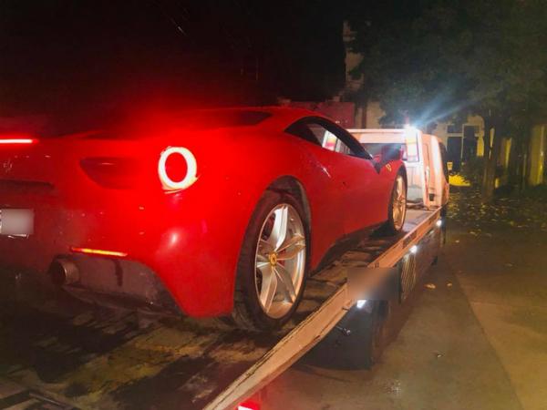 Chiếc xe gặp nạn của Tuấn Hưng.