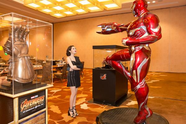 Bảo Anh sexy dự ra mắt bom tấn Avengers tại Singapore - 4