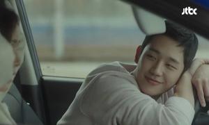 5 khoảnh khắc Jung Hae In khiến fan ước ao trở thành 'chị đẹp'
