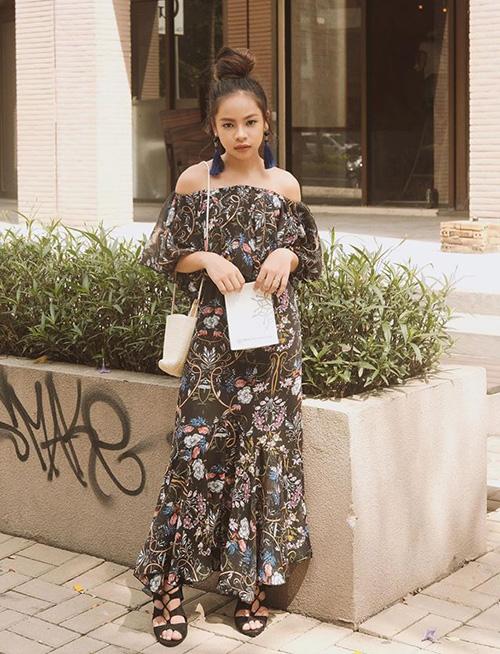 Chân dài Sài thành 12 tuổi đã trang điểm, ăn mặc sexy ra dáng hoa hậu tương lai - page 2 - 4