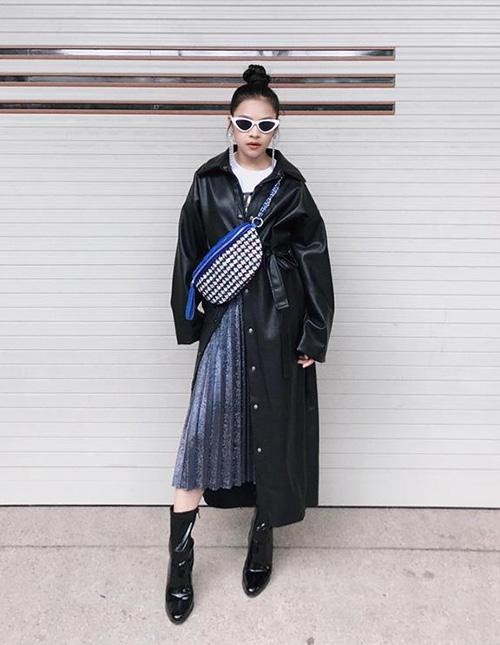 Chân dài Sài thành 12 tuổi đã trang điểm, ăn mặc sexy ra dáng hoa hậu tương lai - page 2 - 7