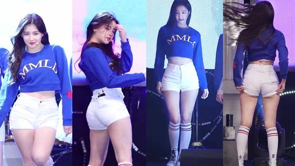 Nancy và Yeon Woo là 2 visual của Momoland, cũng là thành viên luôn mặc đồ gợi cảm nhất. Nhiều khán giả nhận xét họ không thể tập trung vào ca khúc khi xem các cô gái biểu diễn với trang phục đau mắt như thế này. Nhiều lần, các thành viên phải vừa diễn vừa chỉnh trang phục.