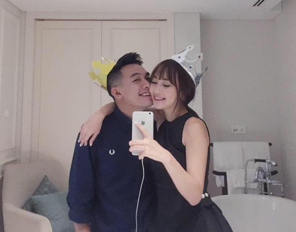 Phở và Sun Ht đã trải qua 2 năm yêu nhau nhưng tình cảm vẫn mãnh liệt như lúc ban đầu.