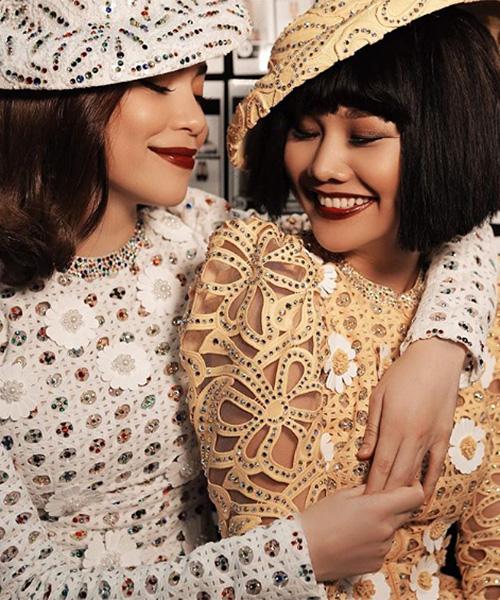 Hà Hồ khoe khoảnh khắc tình thương mến thương với cô bạn thân Thanh Hằng trong hậu trường show diễn thời trang.